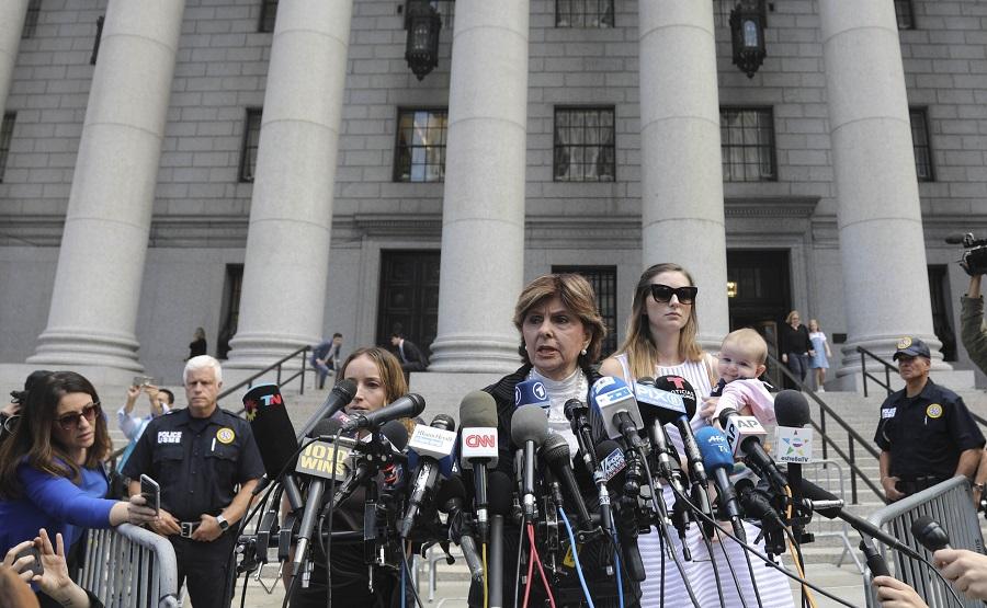 Αγανάκτηση και οργή από τα θύματα του Τζέφρι Έπσταϊν