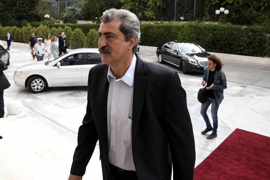 Πολάκης σε Κυμπουρόπουλο: «Χάρη» ή «επίδομα» το «όχι» στο ψήφισμα κατά Μπολσονάρου;