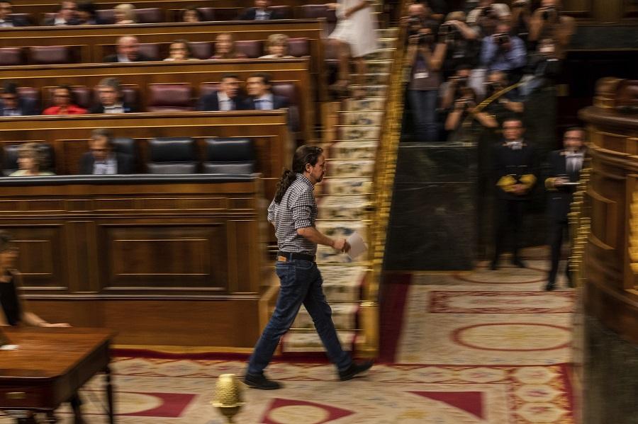 «Γέφυρες» με τον Πέδρο Σάντσεθ ρίχνουν οι Podemos