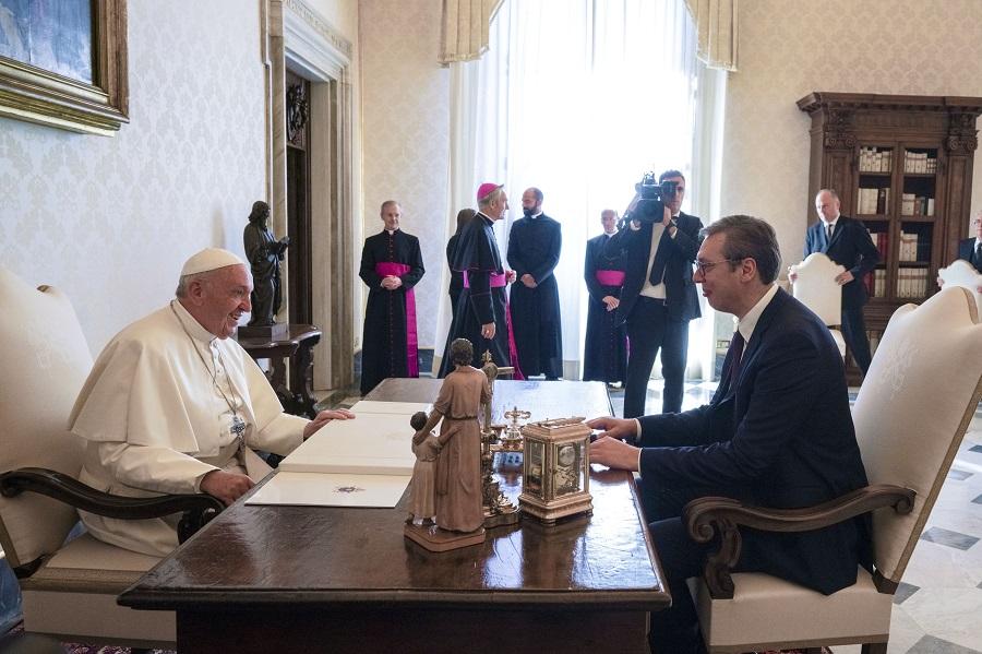 Διαβεβαιώσεις από Πάπα σε Σερβία: Δεν θα αναγνωρίσουμε το Κόσοβο