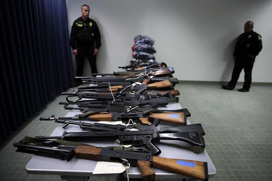 Απίστευτο: Απειλή θανάτου από Αμερικανό βουλευτή σε συνάδελφό του επειδή ζητά να κατασχεθούν τα όπλα