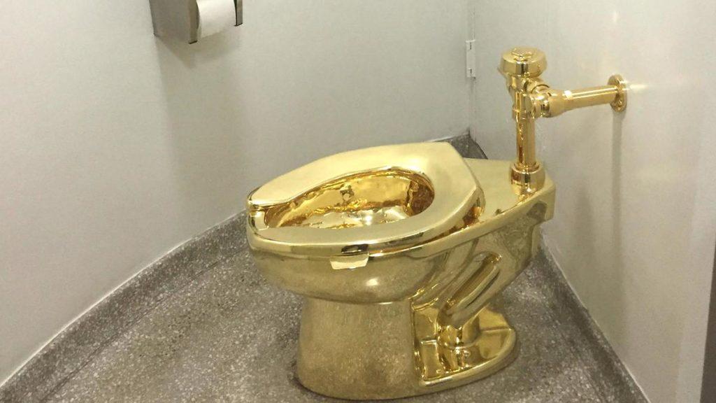 Απίθανη ληστεία σε βρετανικό ανάκτορο με λεία χρυσή… τουαλέτα από μασίφ χρυσό 18 καρατίων!