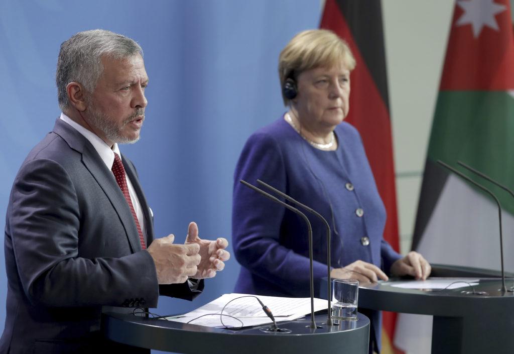 Η Μέρκελ επικρίνει τον Νετανιάχου και τάσσεται υπέρ της συμφωνίας με το Ιράν για τα πυρηνικά