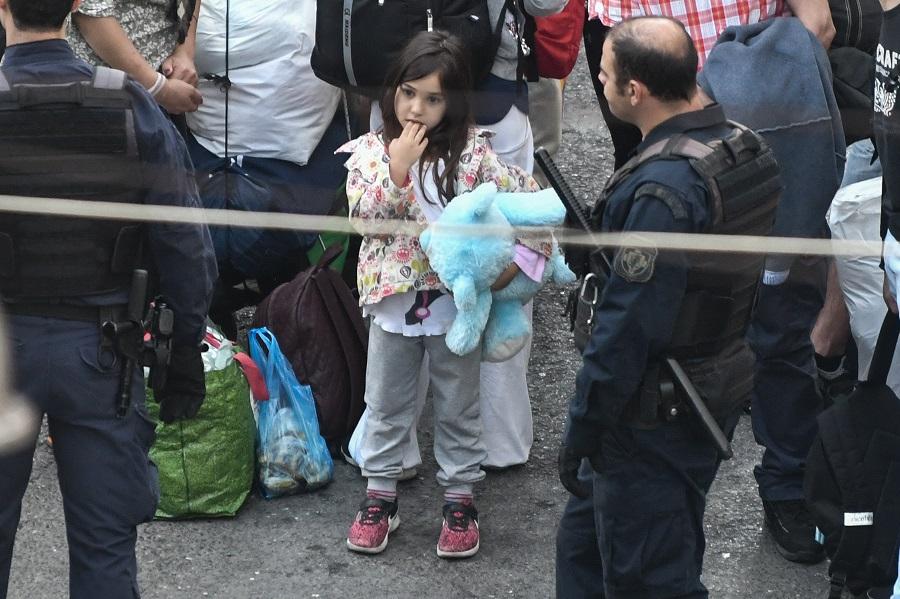 Ανησυχία για τις επιχειρήσεις εκκένωσης καταλήψεων της ΕΛ.ΑΣ. και την τύχη των προσφύγων