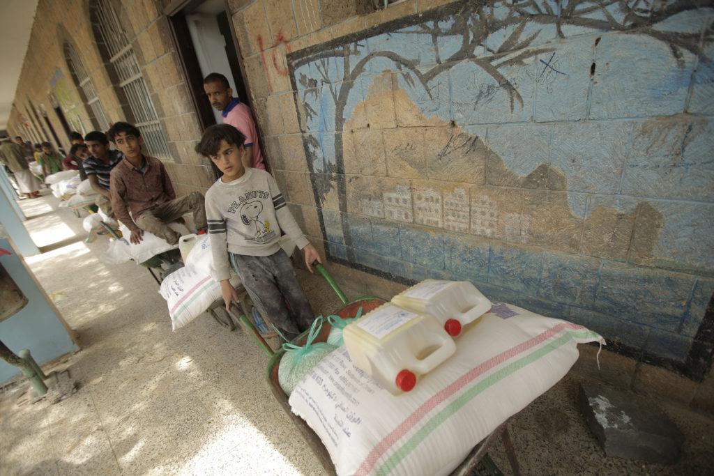 Υεμένη: Υποσιτισμός και αναλφαβητισμός – Δύο εκατομμύρια παιδιά δεν πηγαίνουν στο σχολείο
