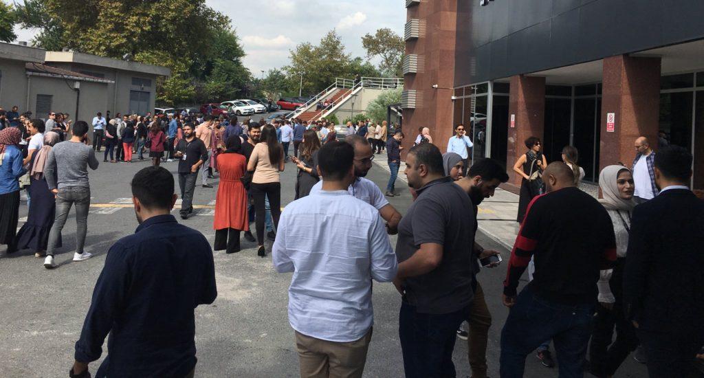 Ισχυρός σεισμός 5,7 Ρίχτερ στην Κωνσταντινούπολη (Photos & Video)