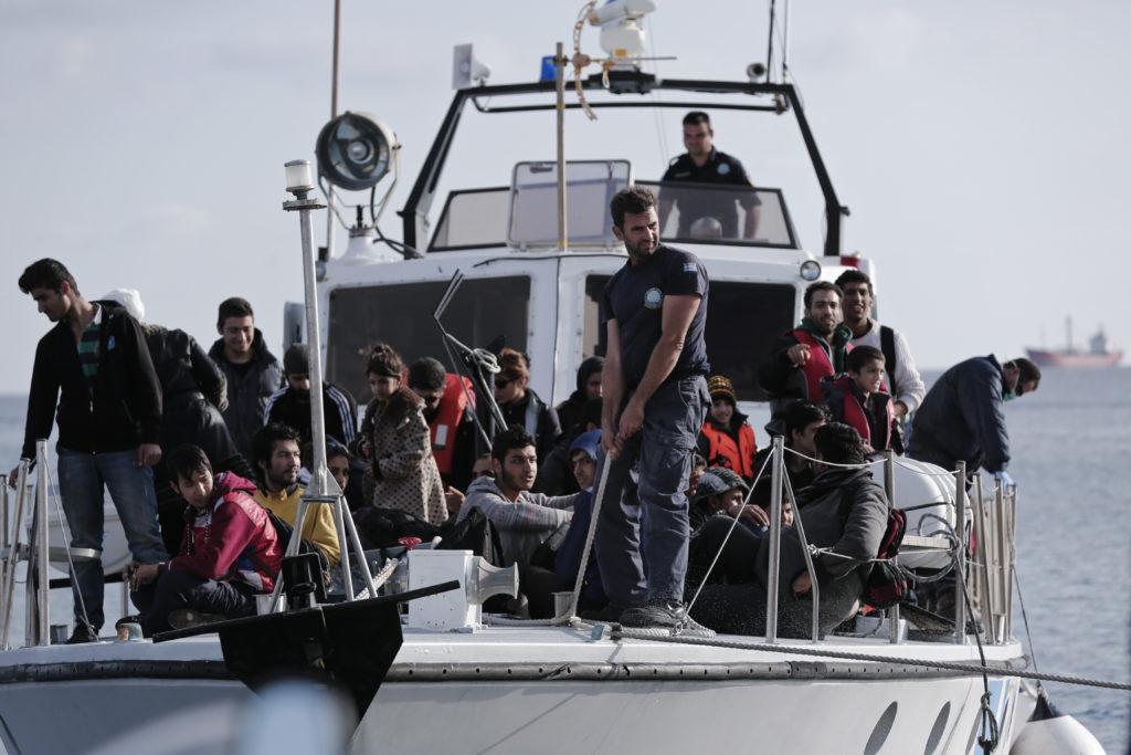 Τραγωδία με πρόσφυγες στις Οινούσσες: Επτά νεκροί – Μεταξύ τους 4 παιδιά και ένα βρέφος