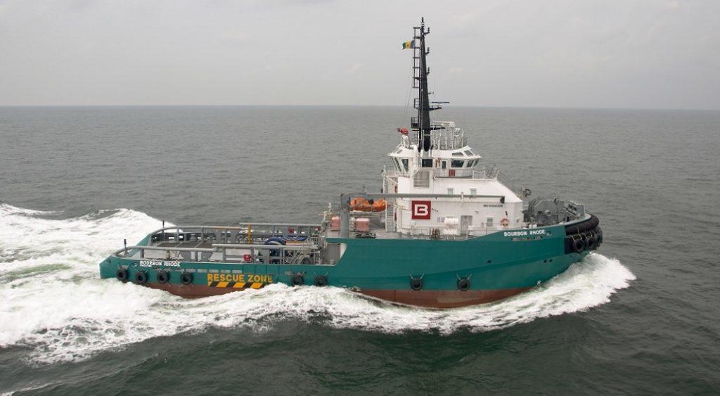 Κίνδυνος για ρυμουλκό στον Ατλαντικό – Μάχη με τα κύματα δίπλα σε κυκλώνα