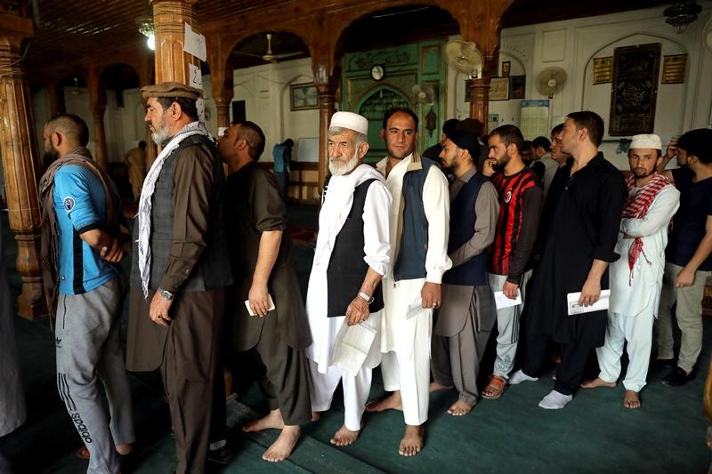 Aφγανιστάν: Έκλεισαν οι κάλπες αλλά τα τελικά αποτελέσματα δεν θα γίνουν γνωστά, πριν από την 7η Νοεμβρίου