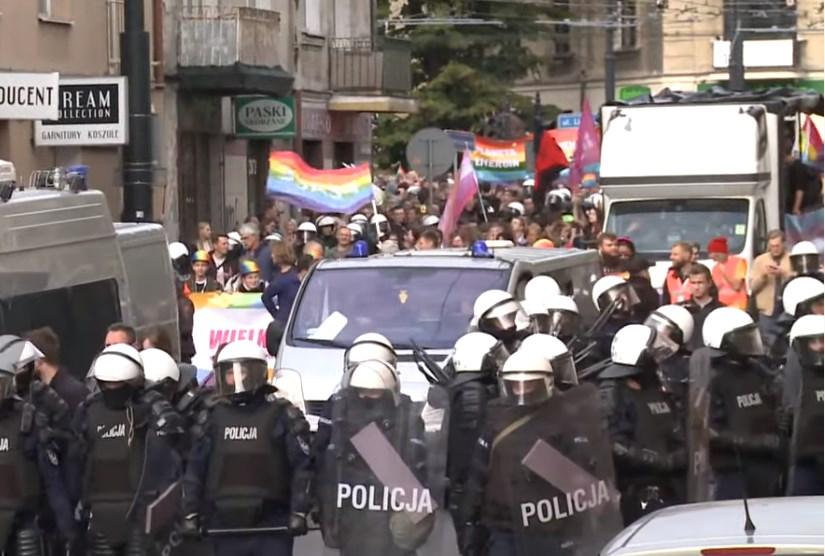 Πολωνία: Συμπλοκές αστυνομίας και ακροδεξιών που επιχείρησαν να εμποδίσουν Gay Pride