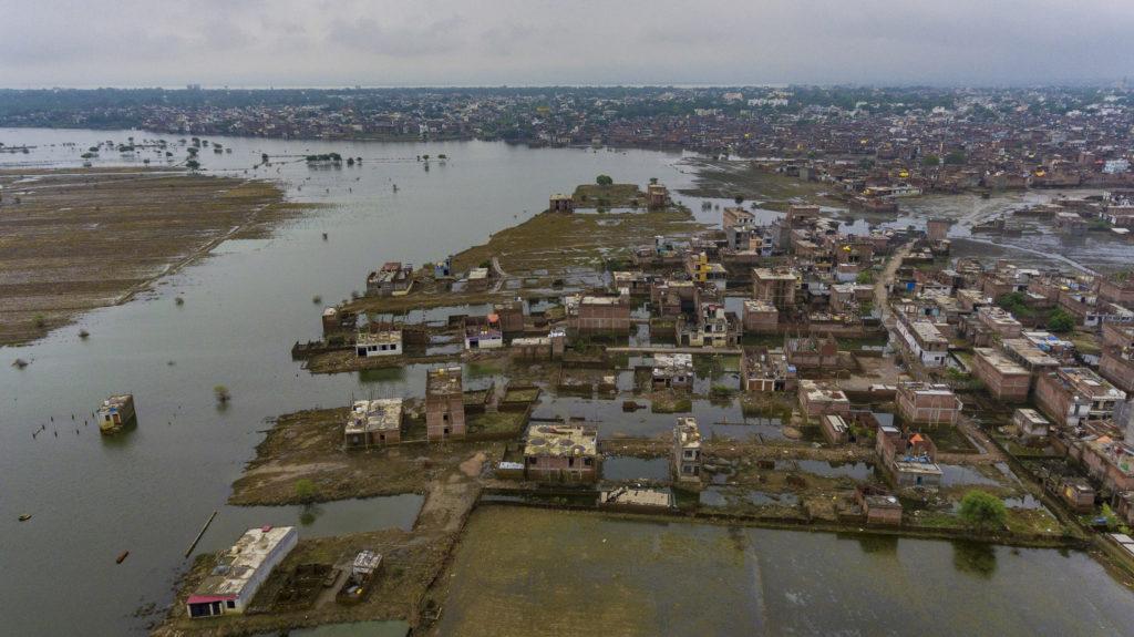 Ινδία: 120 νεκροί από τις καταστροφικές βροχοπτώσεις
