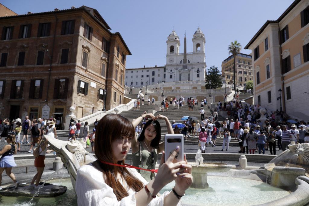 Ιταλία: Μάστιγα οι απάτες κατά τουριστών – Τα μέτρα που παίρνει η κυβέρνηση μετά το γεύμα των 430 ευρώ