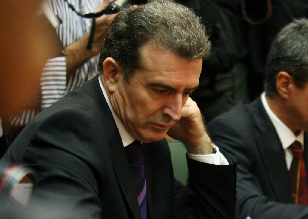 Ο Τραμπ κόβει τους ΝY Times και ο Χρυσοχοΐδης το Documento