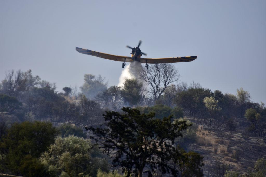 Κεφαλονιά: Πέντε εστίες πυρκαγιάς εκδηλώθηκαν μέσα σε λίγη ώρα σε Θήνια και Λαγκαδά