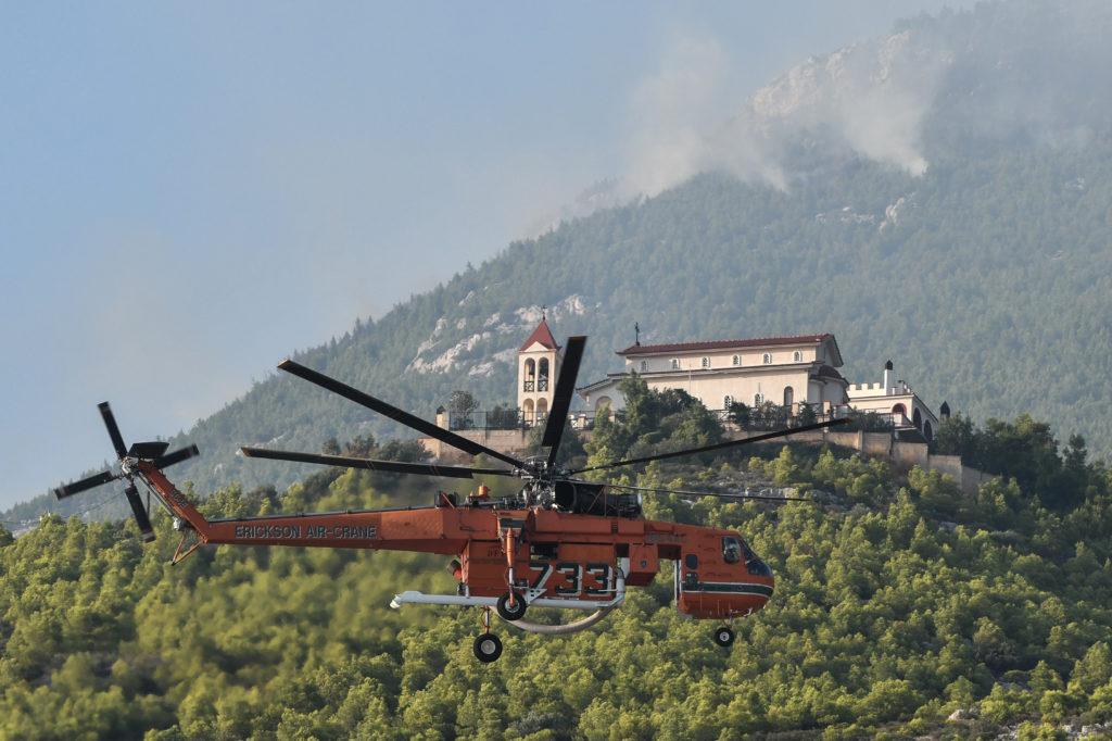 Καλύτερη εικόνα στη Ζάκυνθο – Σε ύφεση η μεγάλη φωτιά σε Κερί και Αγαλά (Video & Photos)
