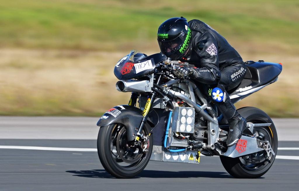 «Ηλεκτρικό» ρεκόρ ταχύτητας από μοτοσικλέτα