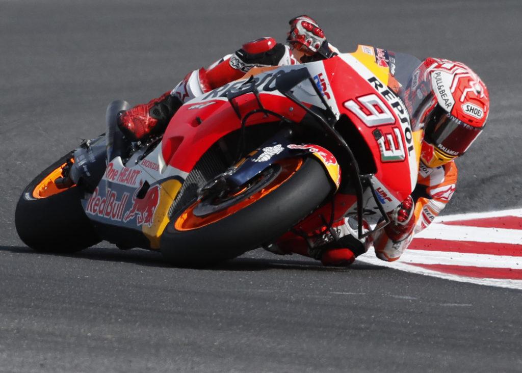 MotoGP: Σοκαριστικό ατύχημα για τον Μαρκ Μάρκεθ – Η μηχανή έκανε… τούμπες (Video)