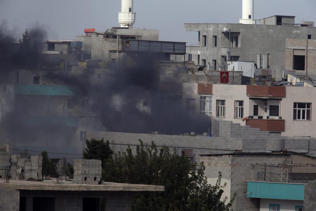 Τουρκική εισβολή στη Συρία: Ένας νεκρός Τούρκος – Χιλιάδες άμαχοι τρέπονται σε φυγή