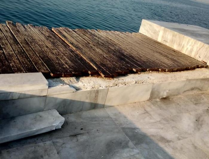 Θεσσαλονίκη: Βάνδαλοι ξήλωσαν μάρμαρα από τη Νέα Παραλία