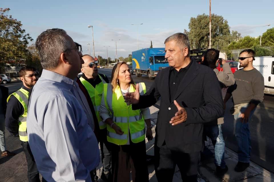 Ο Πατούλης απειλεί με εισαγγελέα όποιον αναρτήσει ξανά πανό στην Αττική (Photos)