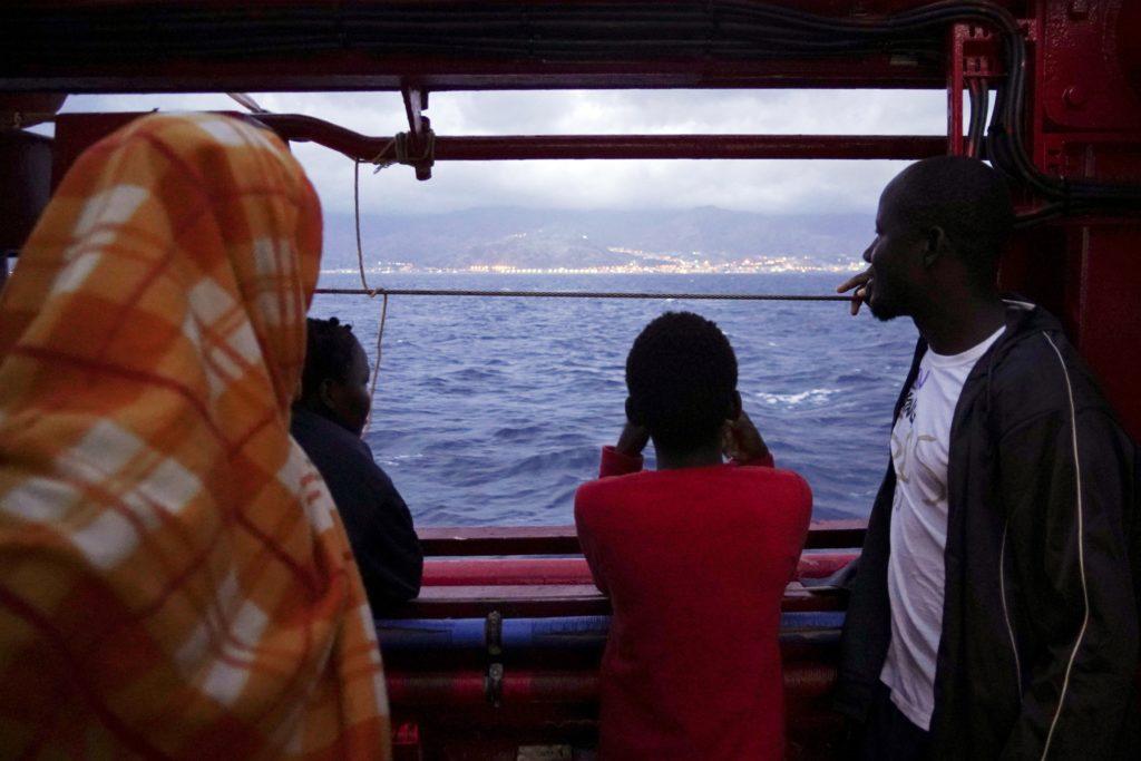 Ιταλία: Αντιδράσεις των ακροδεξιών μετά την άδεια αποβίβασης σε 176 μετανάστες