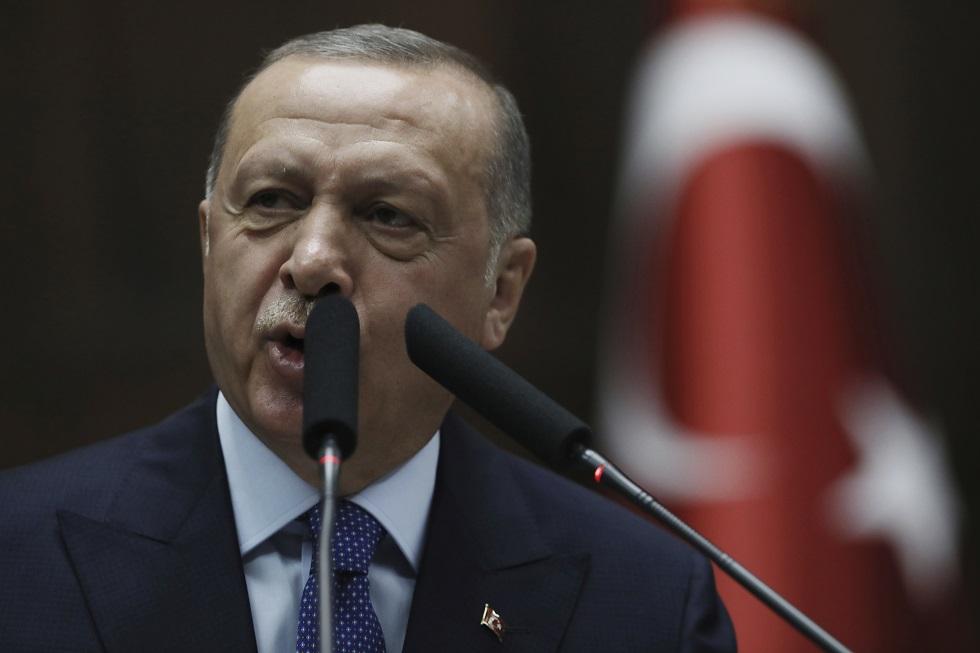 Ο Ερντογάν απαιτεί από τις ΗΠΑ την παράδοση του ηγέτη των Κούρδων στη Συρία
