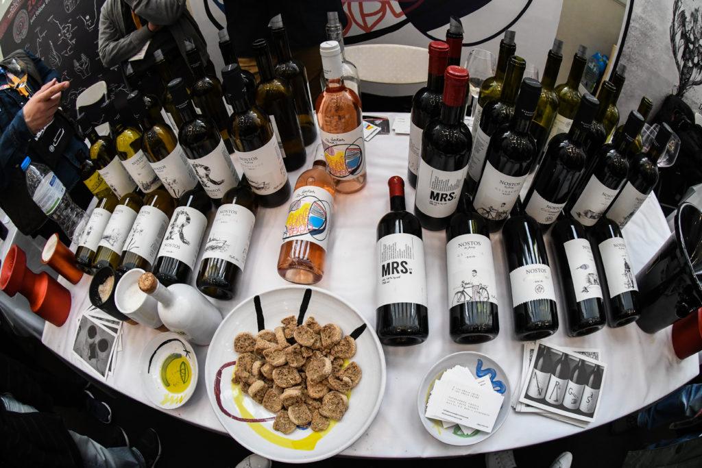 Oι Financial Times «υμνούν» τα ελληνικά κρασιά