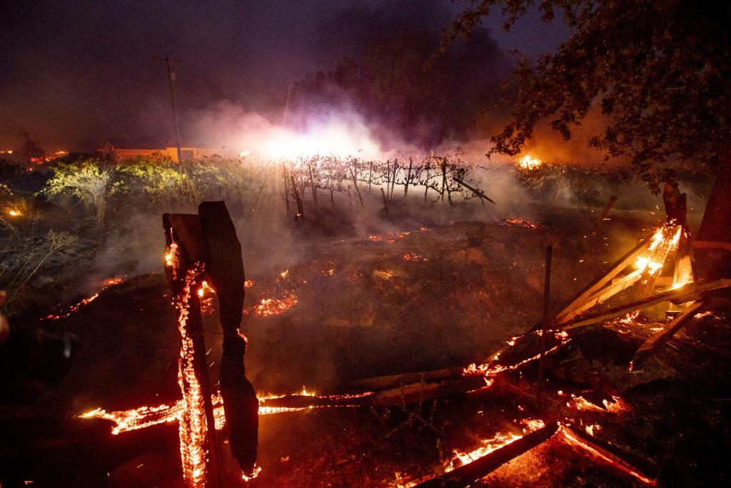 Καλιφόρνια: Κατάσταση έκτακτης ανάγκης και προληπτικά μπλακ άουτ λόγω των πυρκαγιών