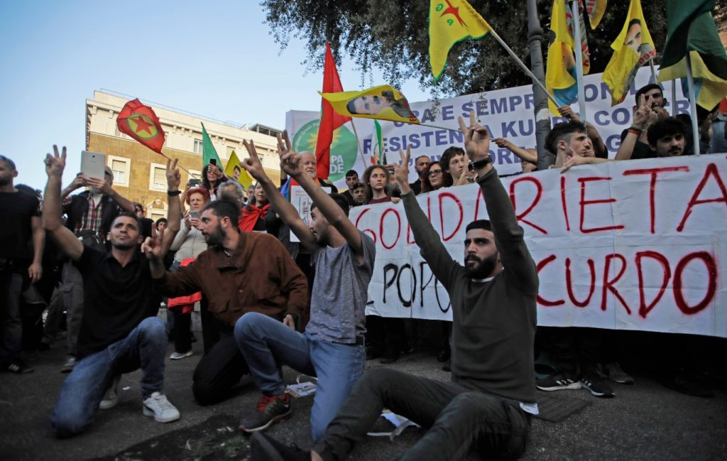 Ιταλία: Χιλιάδες άνθρωποι διαδήλωσαν υπέρ των Κούρδων της Συρίας
