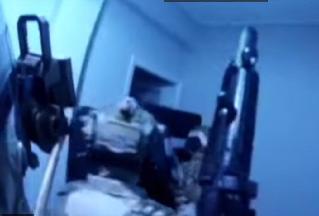 «Ντου» πάνοπλων ανδρών του Λιμενικού σε πολυκατοικία της Κυψέλης – Πώς εξάρθρωσαν κύκλωμα μεταφοράς μεταναστών (Video)