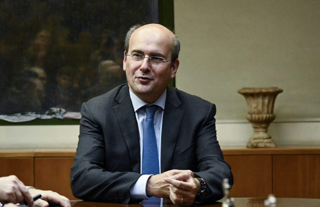 Ο Χατζηδάκης ανακοίνωσε την -κατά 49%- ιδιωτικοποίηση του ΔΕΔΔΗΕ