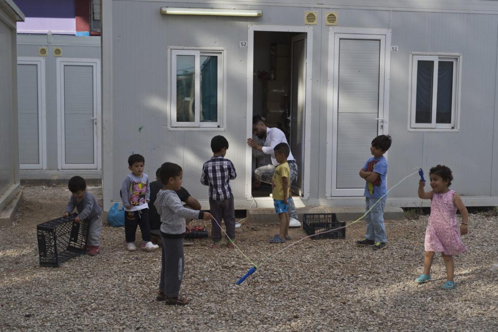 «Τα παιδιά και τα ασυνόδευτα προσφυγόπουλα είναι ευάλωτα στην σεξουαλική εκμετάλλευση»