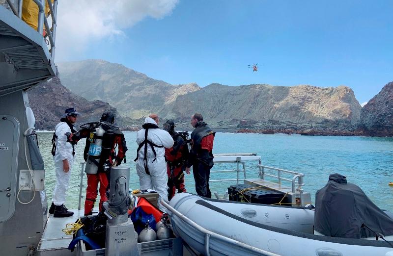Νέα Ζηλανδία-ηφαίστειο: Δύτες αναζητούν πτώματα γύρω από το νησί Γουάιτ