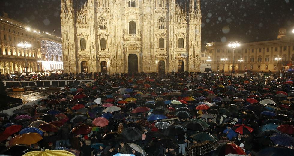 Ιταλία: Το κίνημα της «σαρδέλας» ξανά στους δρόμους κατά ξενοφοβίας και Σαλβίνι