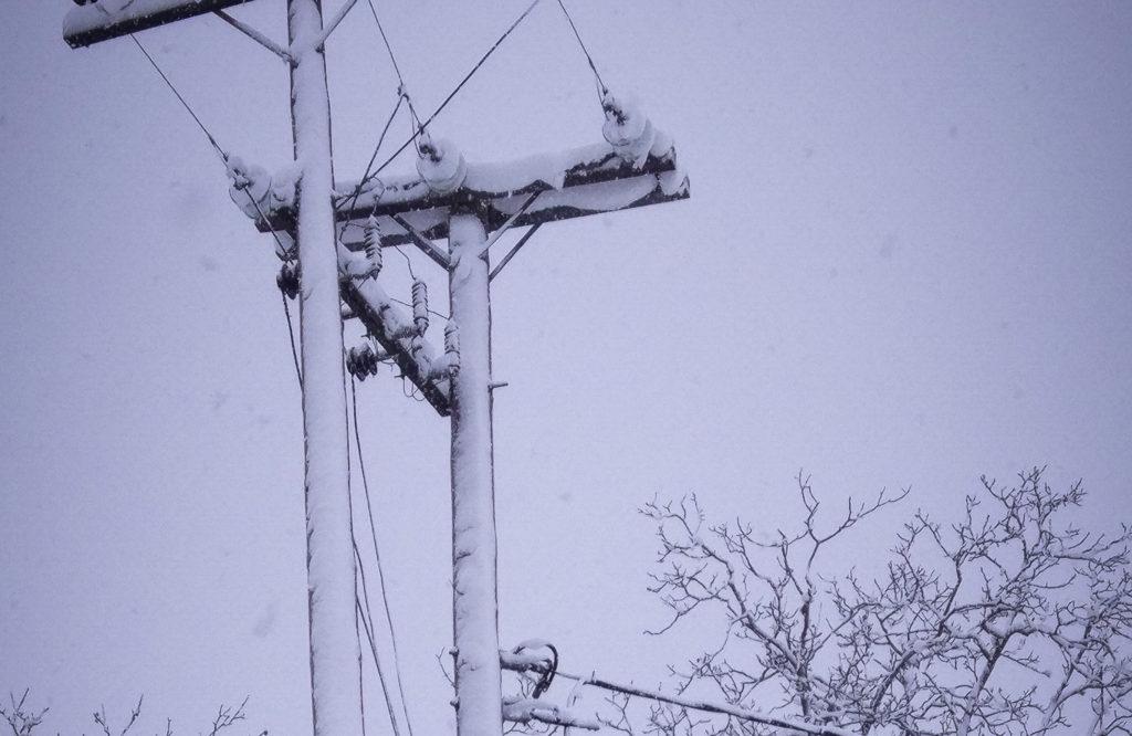 Αποκαταστάθηκε η ηλεκτροδότηση στα Βίλια με εξαίρεση την Κάζα