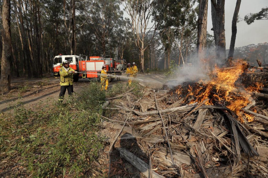 Κόλαση στην Αυστραλία: Εκτός από τις πυρκαγιές και κυκλώνας