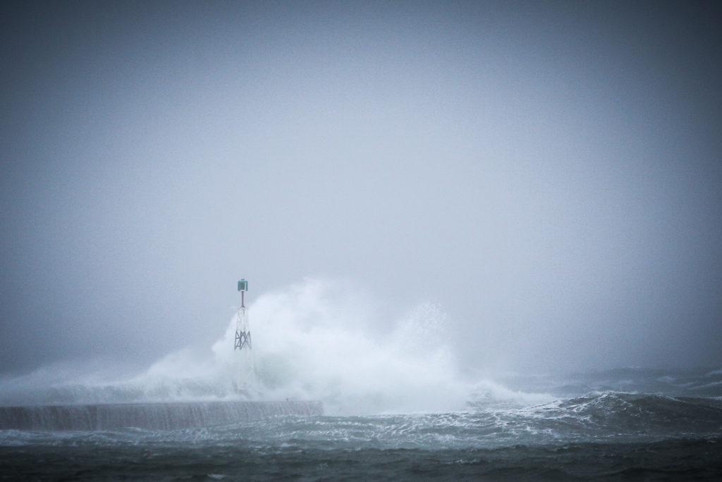 Αγνοείται κωπηλάτης στη θαλάσσια περιοχή της Λούτσας
