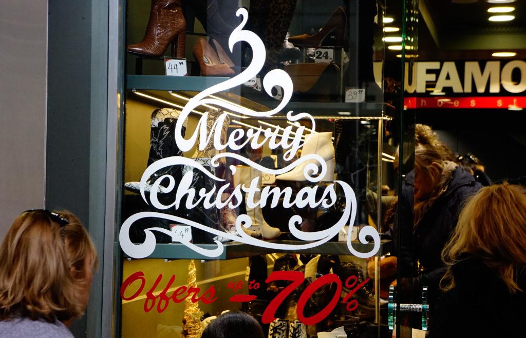«Γολγοθάς» για τις μικρές επιχειρήσεις η αγοραστική κίνηση στις γιορτές