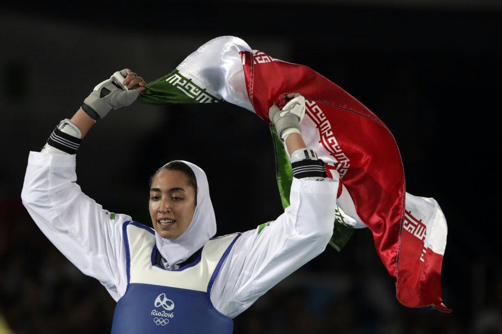 Ιράν: Με δριμύ κατηγορώ εγκατέλειψε τη χώρα η μόνη αθλήτρια που κατέκτησε ολυμπιακό μετάλλιο