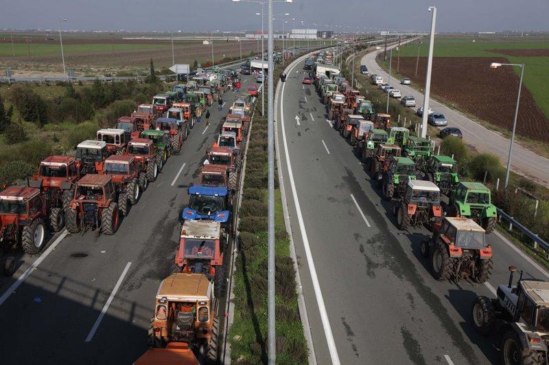 Την Τρίτη βγαίνουν στους δρόμους τα τρακτέρ των Τρικαλινών αγροτών