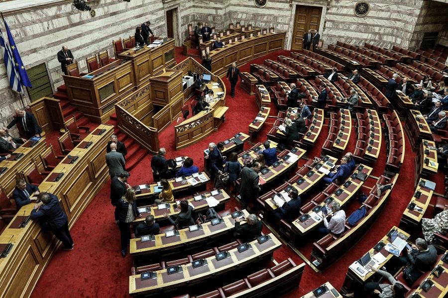 ΣΥΡΙΖΑ σε ΝΔ στη Βουλή: Καταθέτετε ΠΝΠ γιατί φοβάστε την ψήφο των νησιωτών βουλευτών σας