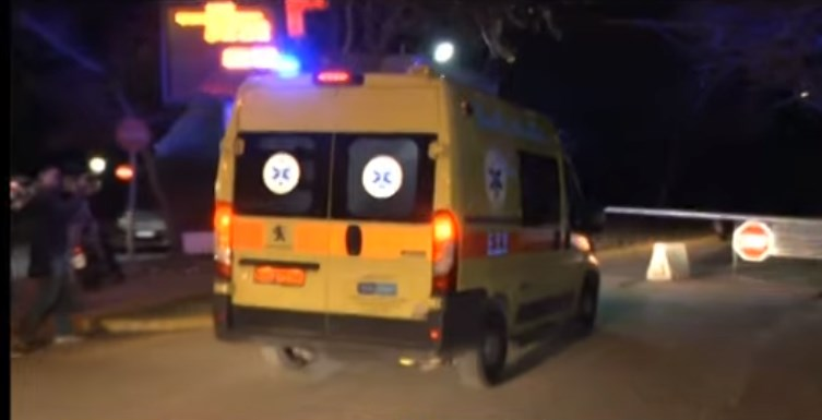 Kορονοϊός: Η στιγμή που οι δύο Έλληνες από την Ουχάν οδηγούνται στο νοσοκομείο Σωτηρία (Video)