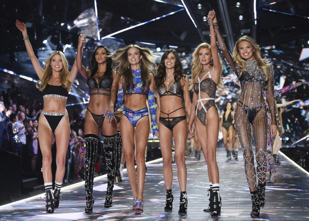Οι «Άγγελοι» επιτίθενται στη «Victoria's Secret»