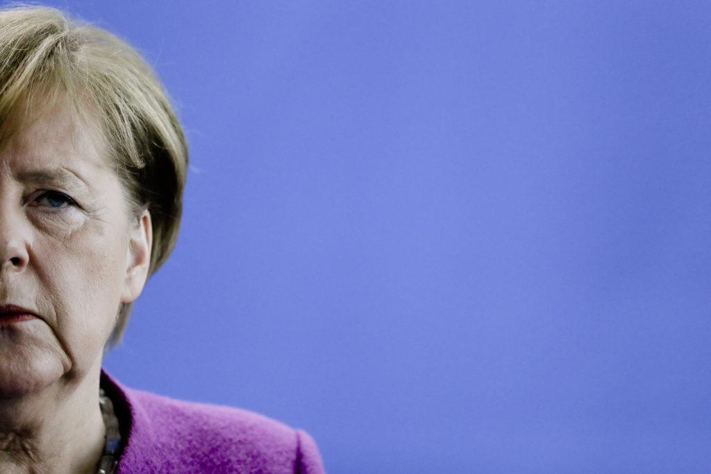 Γερμανοί σοσιαλδημοκράτες προς Μέρκελ: Ξεκαθαρίστε τη θέση σας ως προς την ακροδεξιά