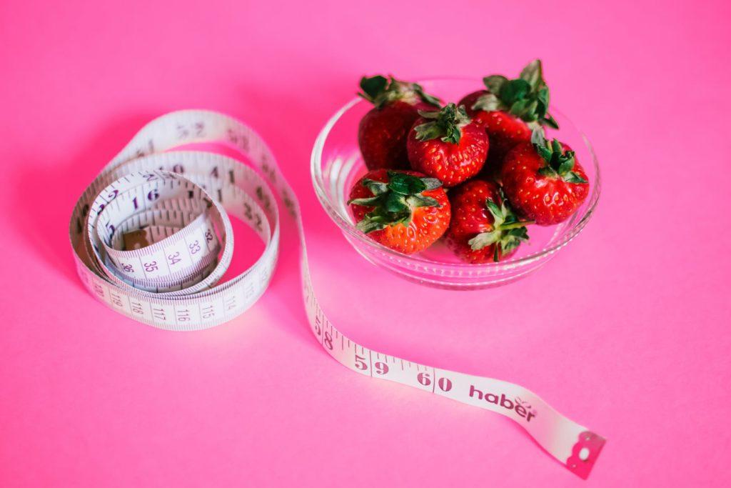 Γιατί το σώμα μας… ενθαρρύνει την αύξηση του βάρους;