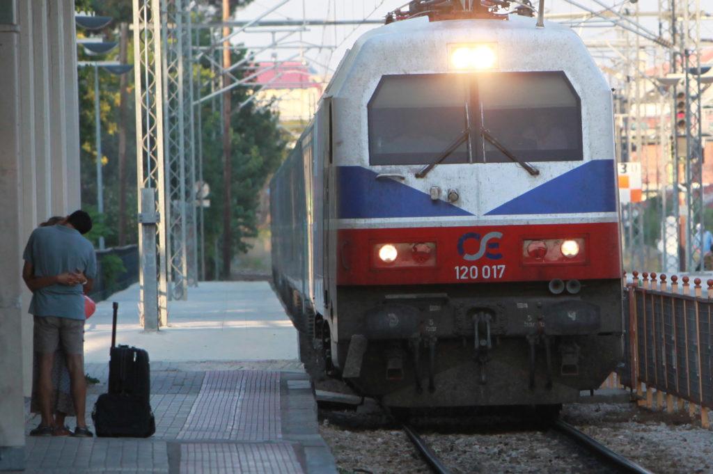 Ξεκίνησαν ορισμένα δρομολόγια των τρένων