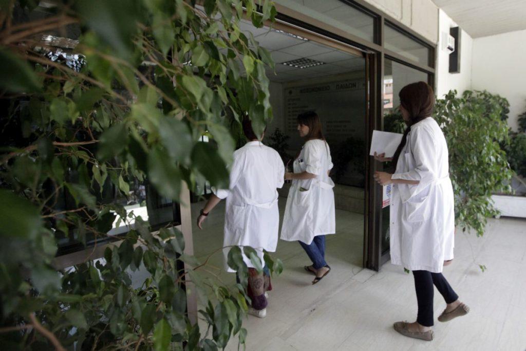 Έκκληση Κικίλια σε γιατρούς και νοσηλευτές να ενταχθούν στο ΕΣΥ