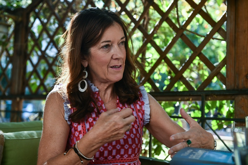 Victoria Hislop: Μου είπαν να μη γράψω για τη Μακρόνησο
