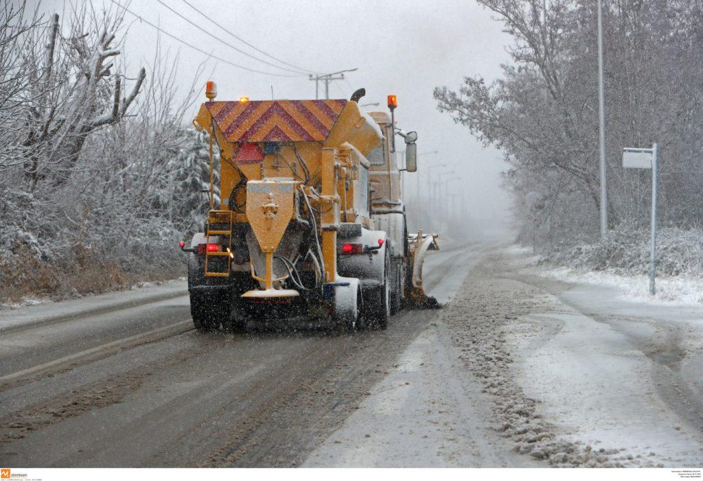 «Άσπρισαν» τα Τρίκαλα – Χιόνι μέχρι 20 εκατοστά στα ορεινά