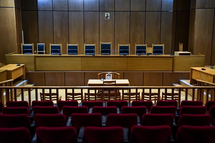 Αίτημα αναστολής λειτουργίας των Διοικητικών Δικαστηρίων λόγω κορονοϊού